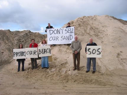 sand pile protest18-10-08 009